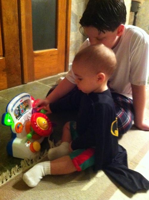 Pedro, Nicky e o brinquedo novo