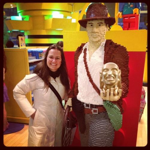 Eu e meu ídolo Indiana Jones, feito de Lego!