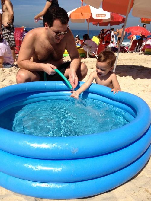 Enchendo a piscina 1